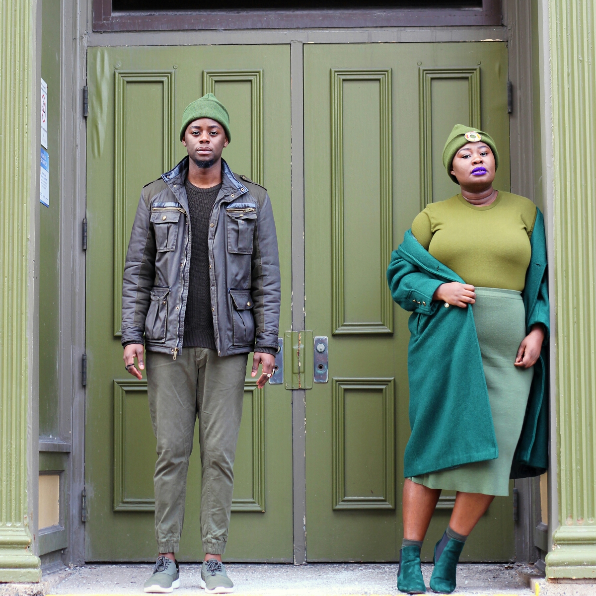 style twins stylish siblings stylish duos style duos green street style all green outfit his and hers green outfits 05